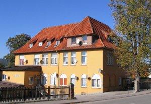 Das ehemalige Mädchenhaus im Herbst 2006