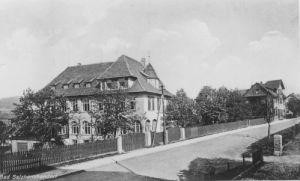 Die beiden Gebäude des Kinderheims