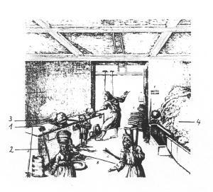 """Arbeit in einem alten Siedehaus. Die erste von vier Siedepfannen (1) Die gemauerte Einfassung (2) Das gesiedete Salz wird kugelförmig """"geklumpt"""" (3) Salz auf dem Trockenbord (4)  Nach dieser Darstellung war offensichtlich die  ganze Familie in die Verarbeitung eingebunden."""