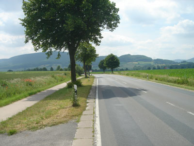 Die B1 nördlich von Hemmendorf wurde Reitbahn genannt. (Foto: Pülm, Juni 2005)