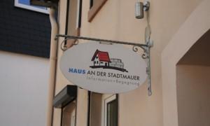 08-HausStadtmauer